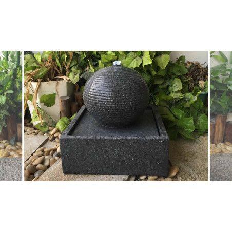 Fontaine d'extérieur en pierre reconstituée avec LED  37,5 x 37,5 x 36,5cm