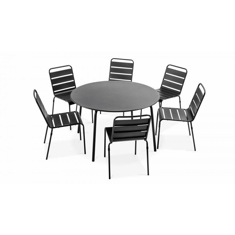 Table ronde intérieure et 6 chaises