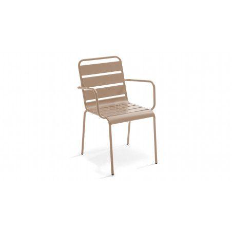 Chaise intérieure beige en métal