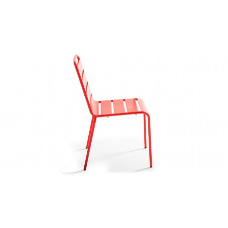 Chaise rouge indus