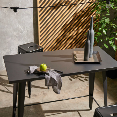 Table haute noire en métal et 4 tabourets