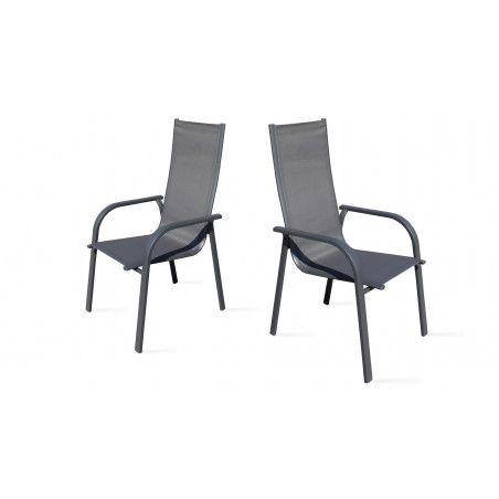 Deux fauteuils de jardin gris en aluminium et textilène