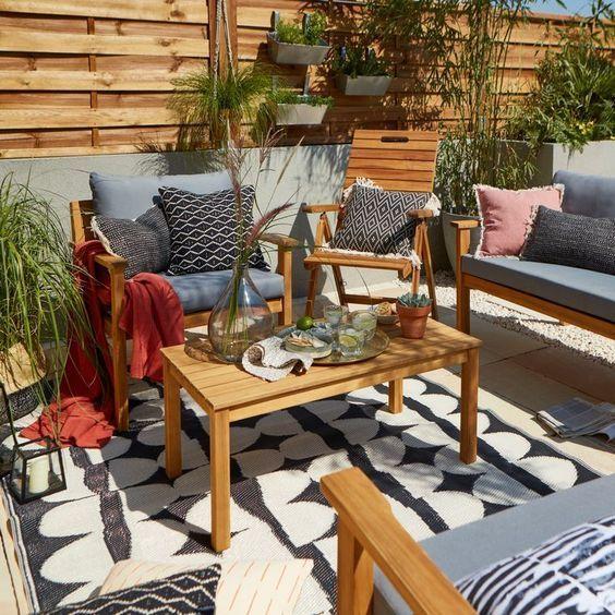 Comment entretenir votre table de jardin ? - Oviala