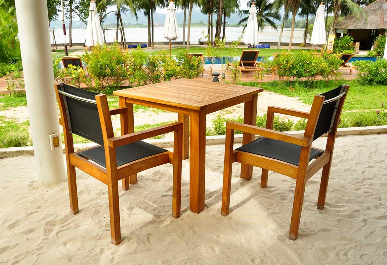 Table et chaise de jardin en bois : Modèles et avantages ...