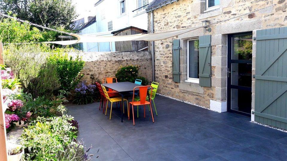 salon de jardin en métal coloré